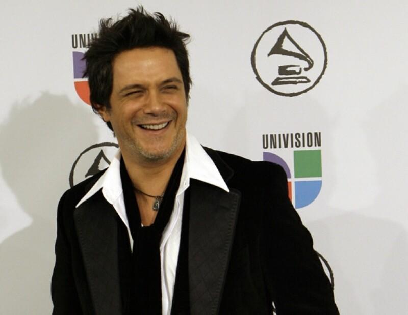 El cantante español mostró en su cuenta de Facebook la portada del sencillo.