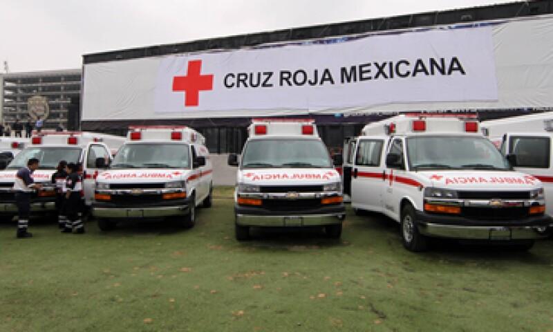 En el acto se hizo entrega oficial de 110 ambulancias. (Foto: Notimex)