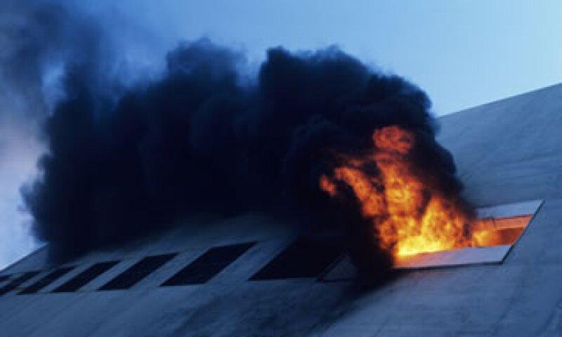 Una empresa debe planificar qué hacer antes de cualquier desastre como un incendio. (Foto: Thinkstock)