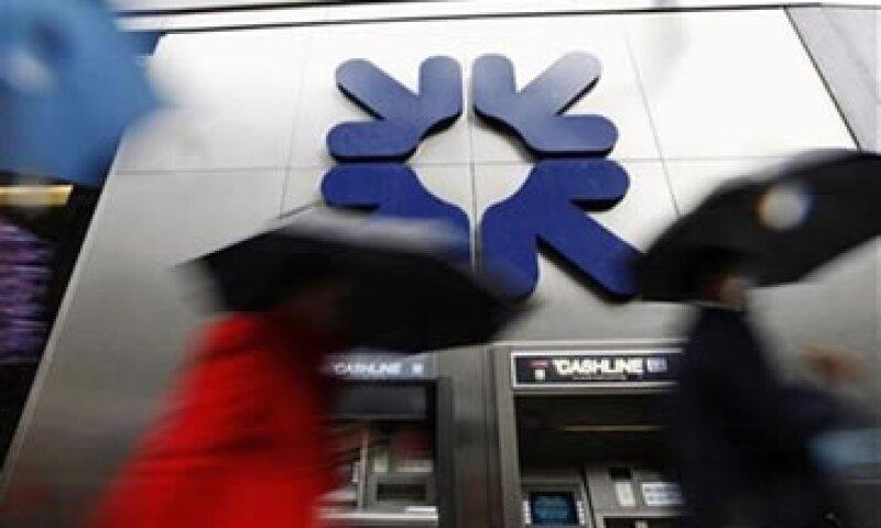 RBS dijo que está en discusiones con reguladores británicos y estadounidenses.  (Foto: Reuters)