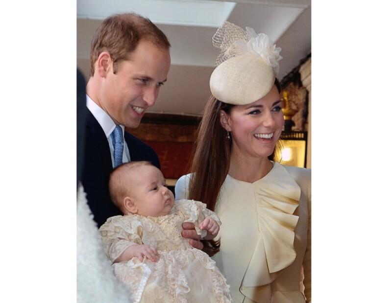 Todavía no se sabe el nombre de quien cuidará al príncipe George pero es una mujer de 30 años que ha cuidado previamente a niños de la realeza.