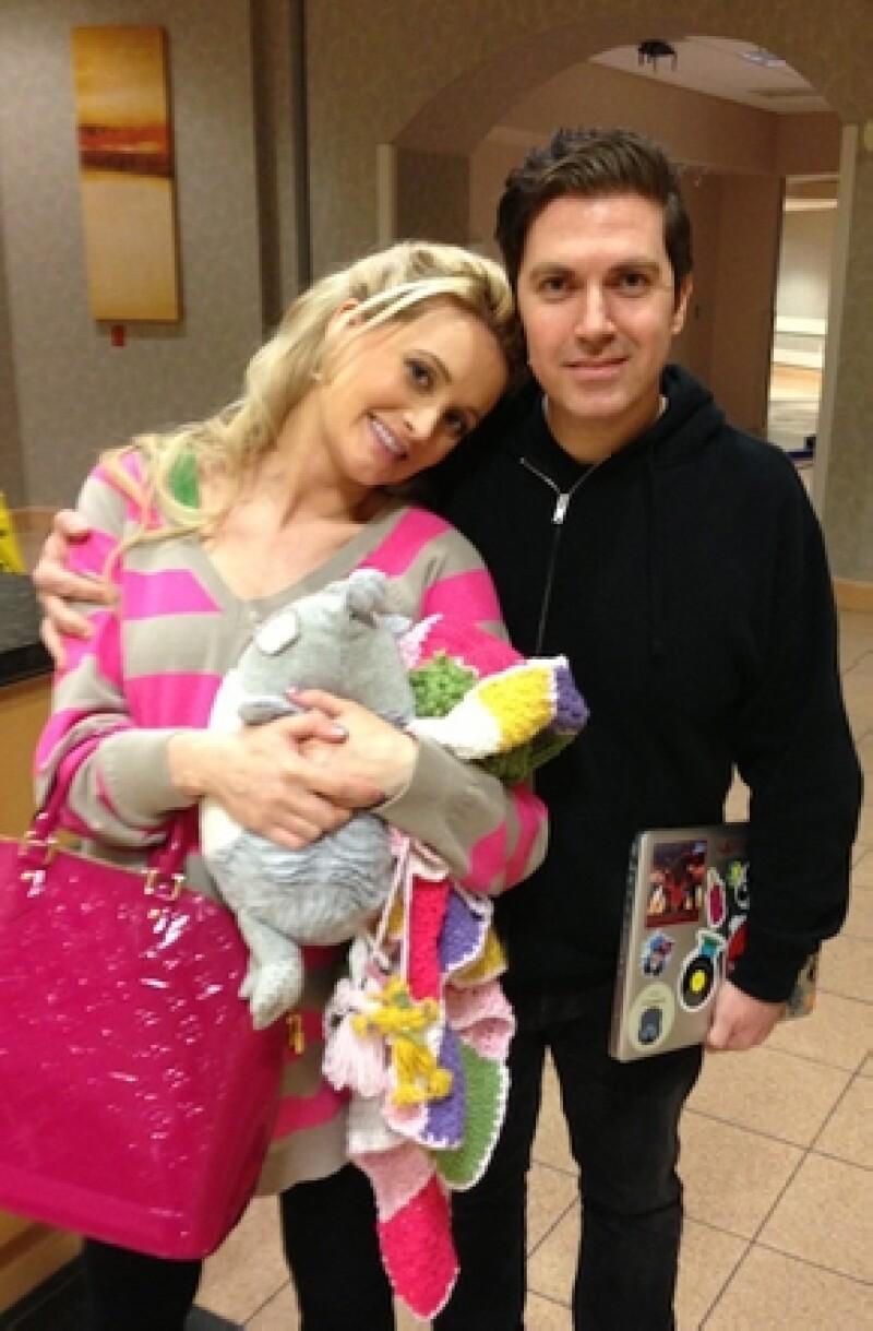 La ex conejita de Playboy dio a luz este martes a su primera hija y sólo tardó algunos días para decidir ponerle Rainbow a su primera hija.