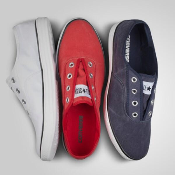 La marca Converse presentó su colección para la temporada Primavera/Verano 2011, basada en colores alegres como rojo, azul y verde.