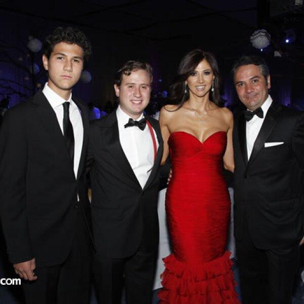 Diego,Alejandro,Iliana y Alejandro Bastón