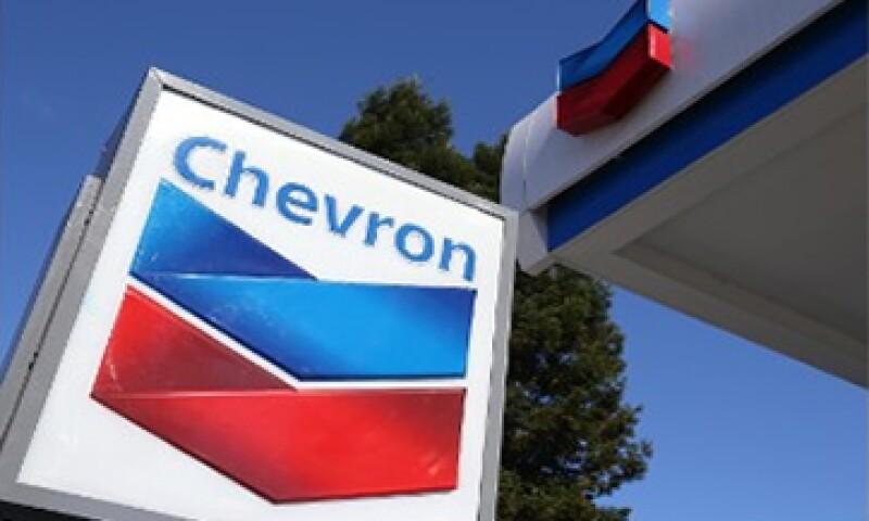 Chevron llegó en julio a un acuerdo con YPF para invertir 1,240 mdd en el campo de Vaca Muerta. (Foto: Reuters)