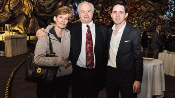 Claudia Sánchez de la Barquera,Francisco Junco y Rodrigo Alexander