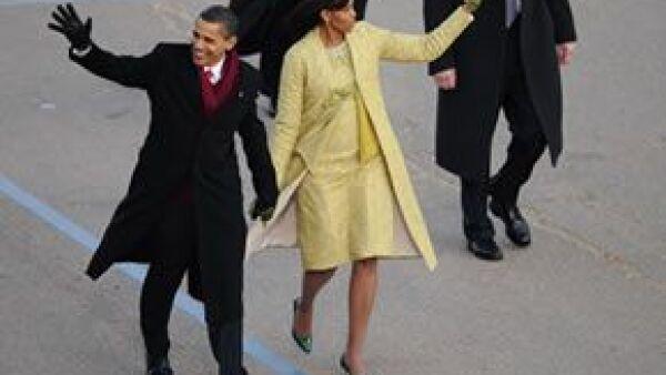 La nueva primera dama escogió a diseñadores poco conocidos para vestirla en la gran noche de su esposo.
