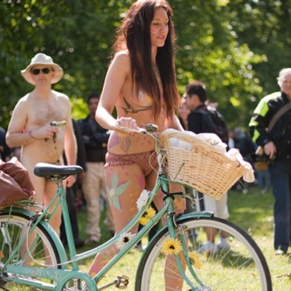 ciclistas desnudos en londres