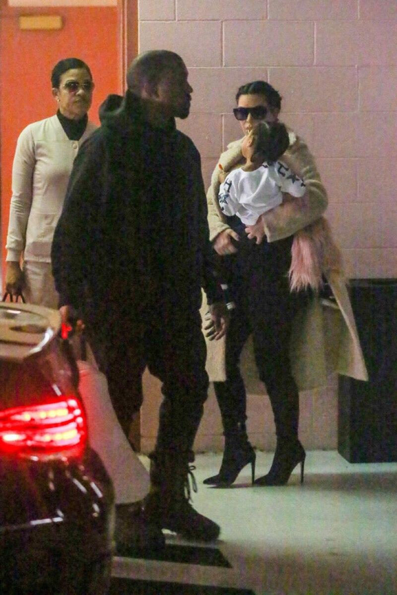 Toda la familia West Kardashian salió al primer check up de Saint.