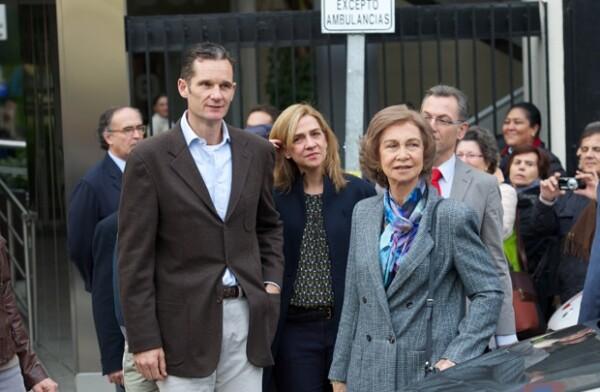 Urdangarin llegó con la reina Sofía.