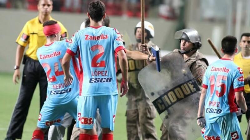 libertadores_pelea