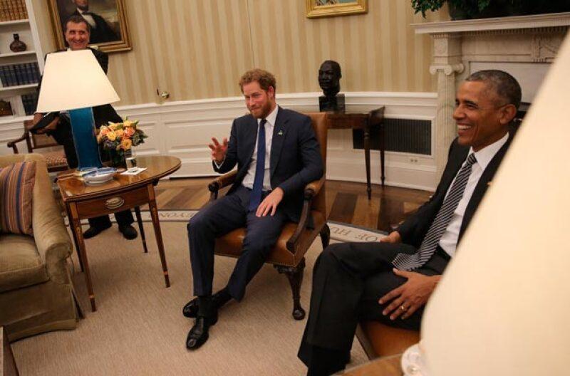 Al igual que su esposa, el presidente de EU, no paró de reír durante la a agradable visita del príncipe.