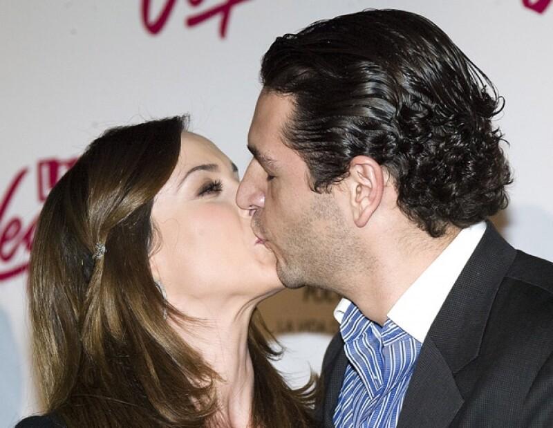Ayer por la noche dio el sí a su pareja, Martín Fuentes, en el hotel St. Regis. La ceremonia por la Iglesia se celebrará dentro de algunas semanas.