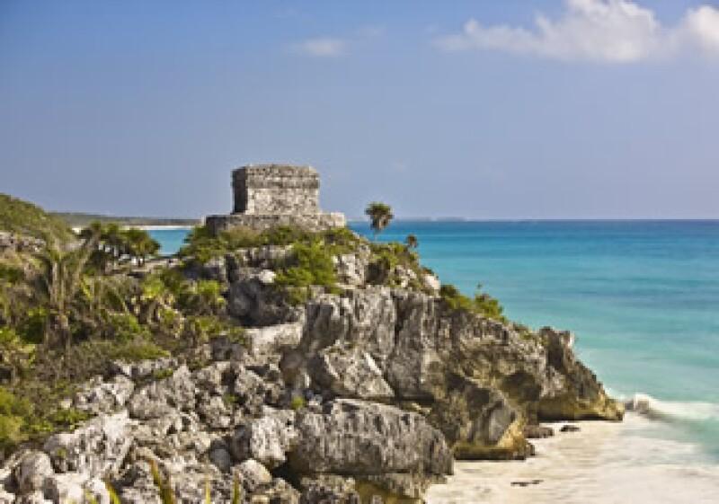 La llegada del vuelo de Air France reforzará la imagen de Cancún en el mundo, dijo Jesús Almaguer, director de la Oficina de Visitantes de Cancún. (Foto: Photos to go)