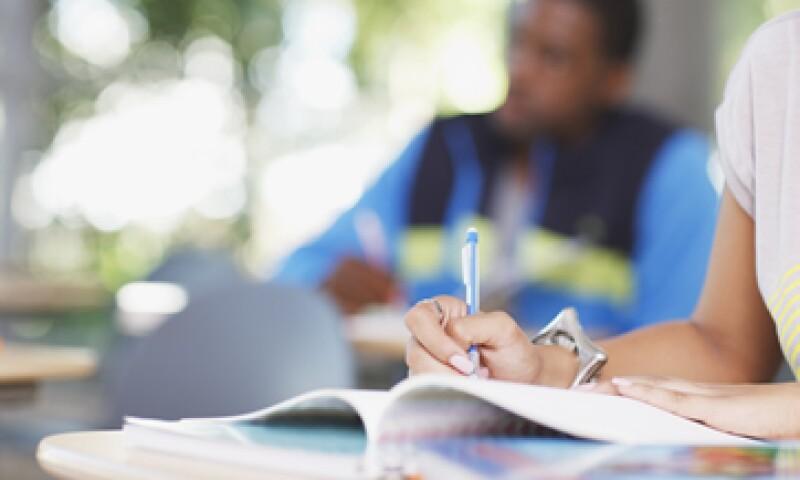 El bajo desempeño escolar es un motivo de deserción para dos de cada tres estudiantes que abandonan el bachillerato. (Foto: Getty Images)
