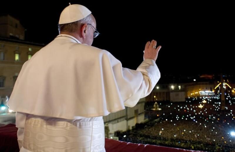 Nuestros lectores buscan que el papa Francisco ponga orden en la Iglesia.