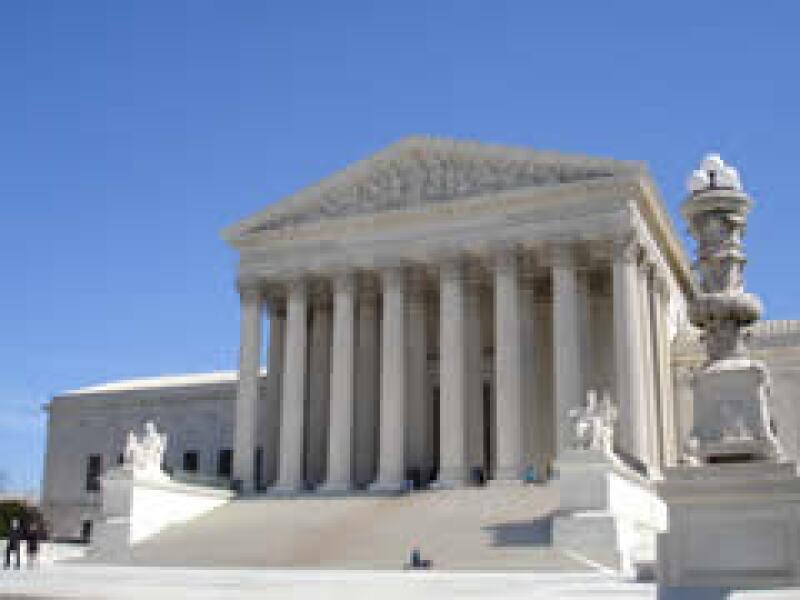 Los abogados de EU, ante la situación económica, han recurrido a huecos legales para enjuiciar a empresas y obtener ganancias.  (Foto: Especial )