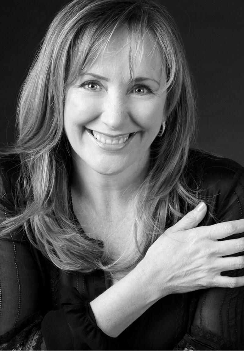¿Amante de los libros? Te presentamos a la novelista que se volverá una de tus favoritas.
