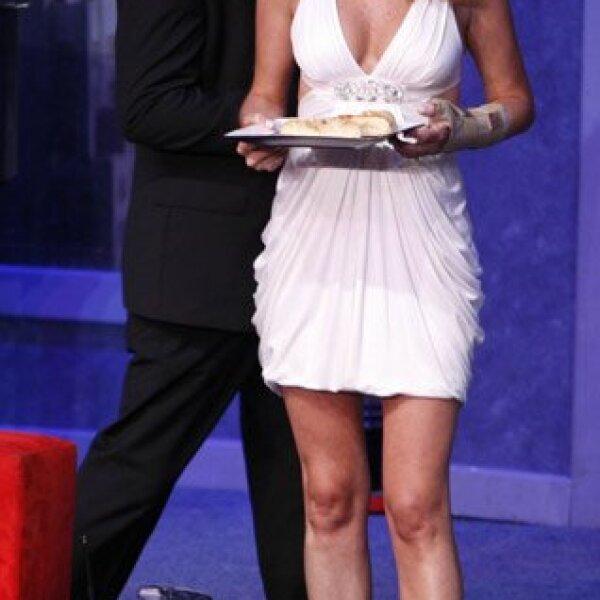 Cena de matrimonios es protagonizada por Maité Perroni, Sebastián Zurita, Rodrigo Vidal, Gaby Platas, Sergio Sendel, Chantal Andere y Gabriel Varela, bajo la dirección de Gina Romand.
