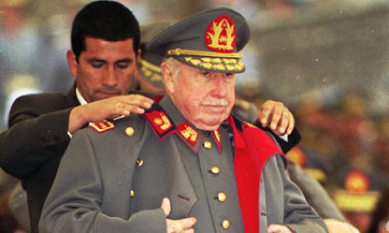 La familia de Pinochet ha solicitado y obtenido en varias ocasiones el levantamiento parcial del embargo sobre los bienes conocidos del ex dictador para pagar impuestos al fisco. (Foto: AP)