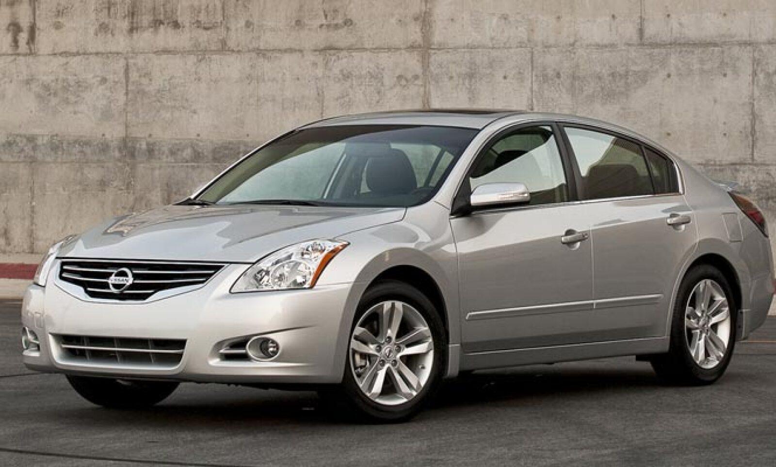 Nissan entra en la segunda posición de este conteo, con 1,489 unidades vendidas en los primeros seis meses del año. Esta cantidad representa un aumento de 1.2% respecto al mismo periodo de 2010, cuando se vendieron 1,471 vehículos.