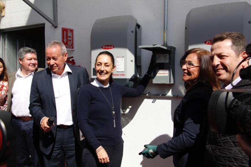 Se instalaron 250 paneles solares en los techos de Sedeco. Foto: Gobierno CDMX