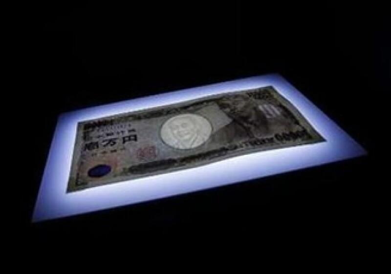 Japón busca también detener la apreciación del yen frente al dólar. (Foto: AP)