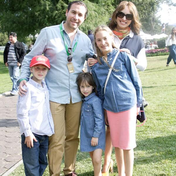 Daniel,Jorge,Liora y Alessandra Barylka