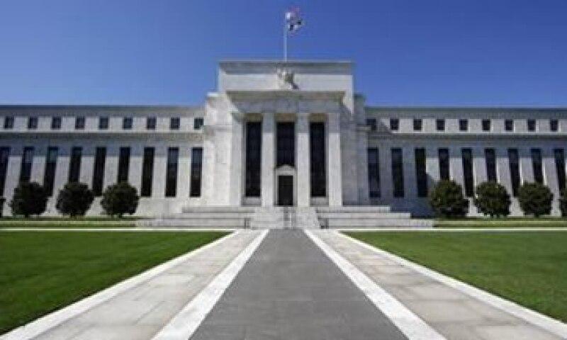 El titular de la Fed de Chicago dijo que las tasas de interés deben permanecer bajas hasta que el desempleo caiga de 9.1% a 7.5% (Foto: Reuters)
