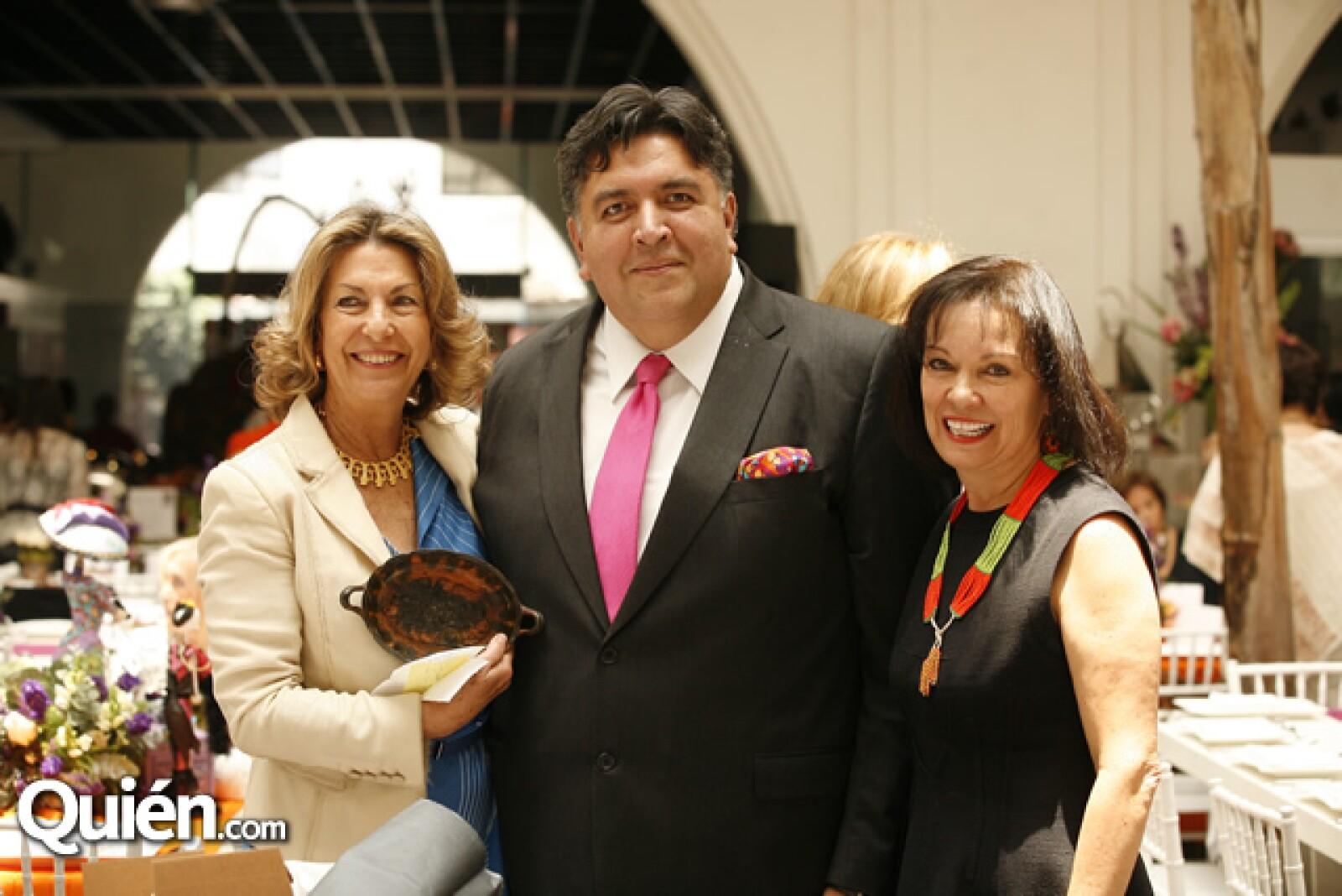 Marie Thérèse Arango, Rodrigo Flores y Cecilia Moctezuma