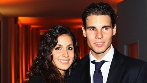 Rafael Nadal es sin duda el galán cotizado del tennis, pero lo sentimos, su corazón pertenece a una mujer con la que lleva siete años de relación. ¿La conocías?