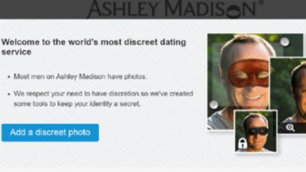 """La nueva herramienta de """"foto discreta"""" te permite elegir dos máscaras diferentes. (Foto: Ashley Madison )"""
