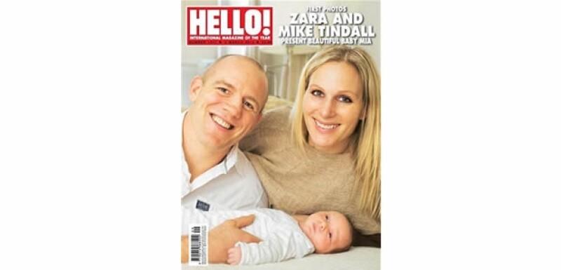 Zara posó con Mike Tindall, su esposo jugador de rugby, y Mia Grace.