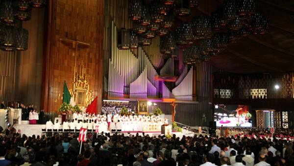 En la Basílica no se escuchó ni un ruido.
