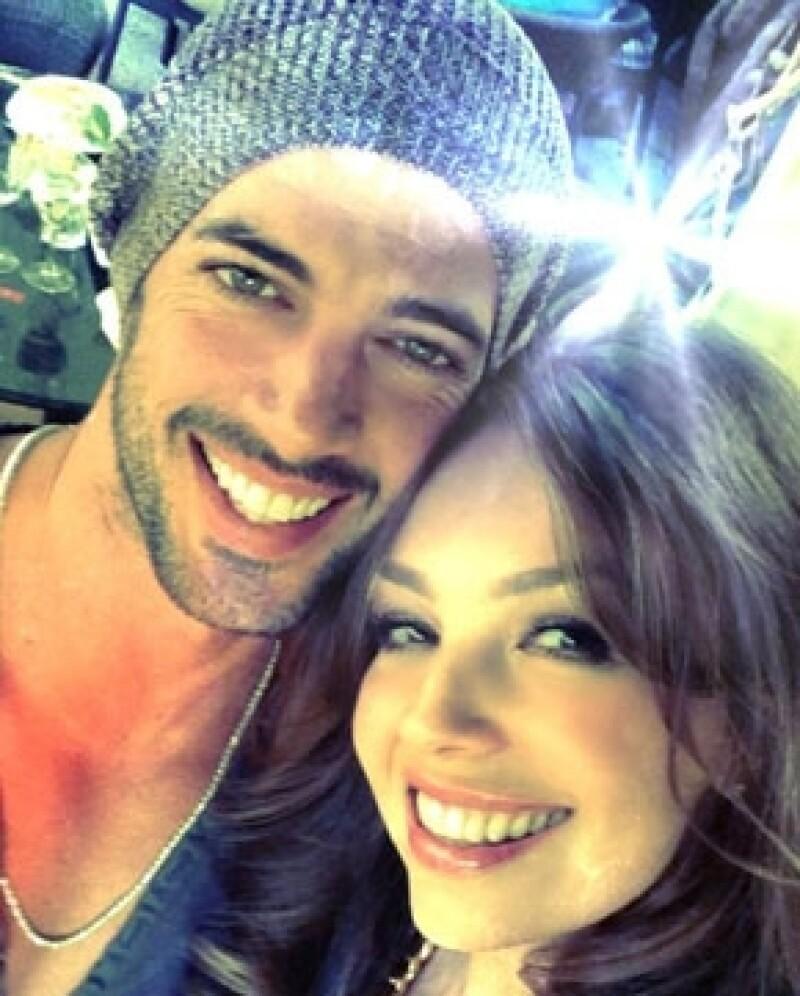`Cuando estos dos se juntan ¡salen chispas!´, escribió Lili Estefan.
