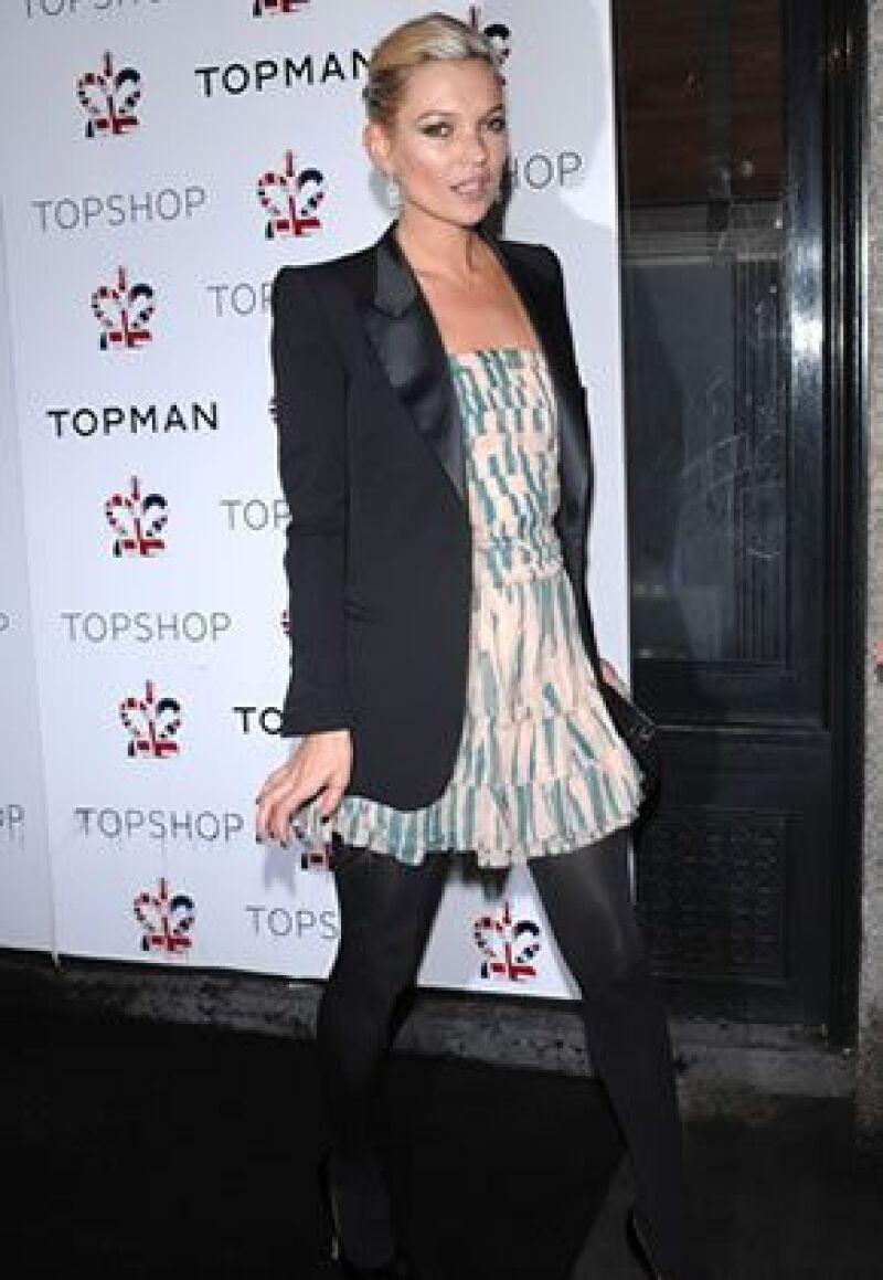 La top model inglesa, imagen de la marca Topshop, es la estrella del lanzamiento de la primera tienda en EU.