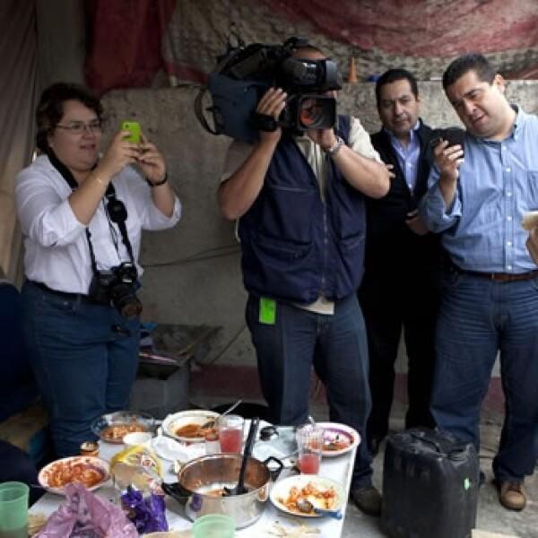 Vázquez Mota comio tacos en Teziutlan