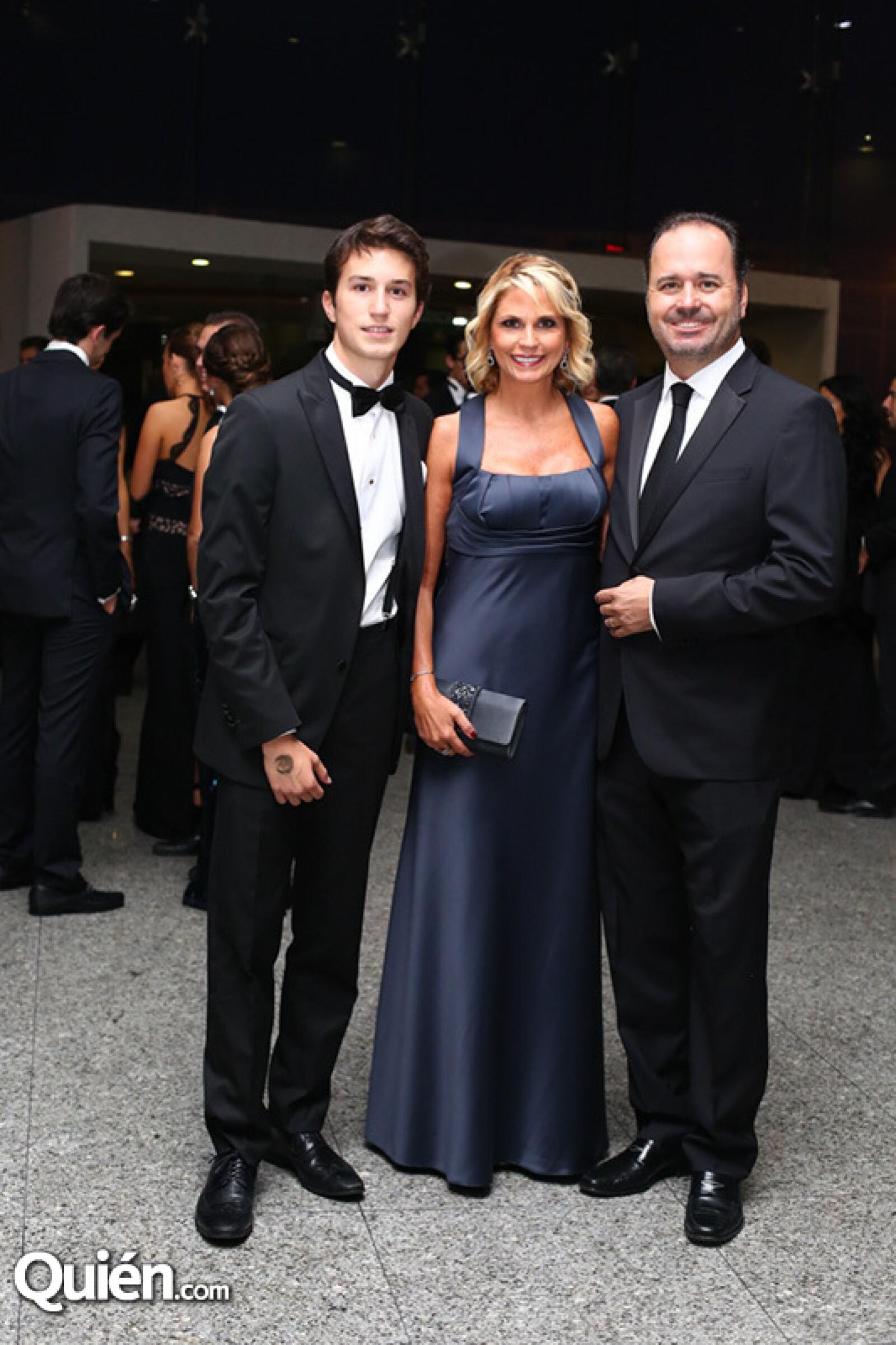 Emiliano, Leonor y Emilio Hernández