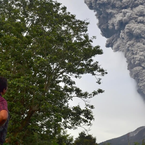 Erupcion de volcanes en Indonesia