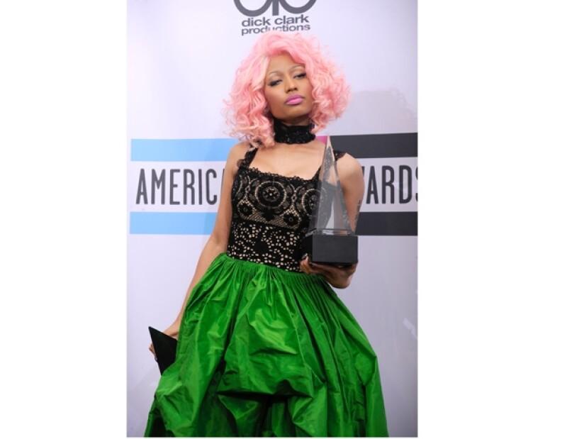 Minaj se llevó los premios de las dos categorías a las que estaba nominada, Artista Favorita de Rap Hip Hop y Mejor Álbum del mismo género musical.