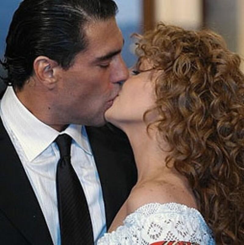 Desde marzo de este año, Angélica Rivera buscaba invalidar su enlace religioso con José Alberto Castro, con quien se casó el 11 de diciembre de 2004.