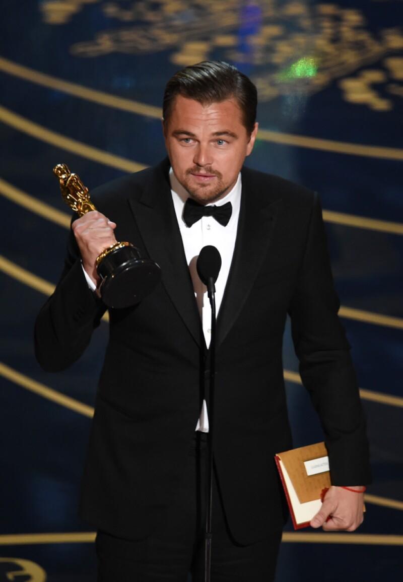 El actor ganó ayer su primer Oscar por su actuación en The Revenant.