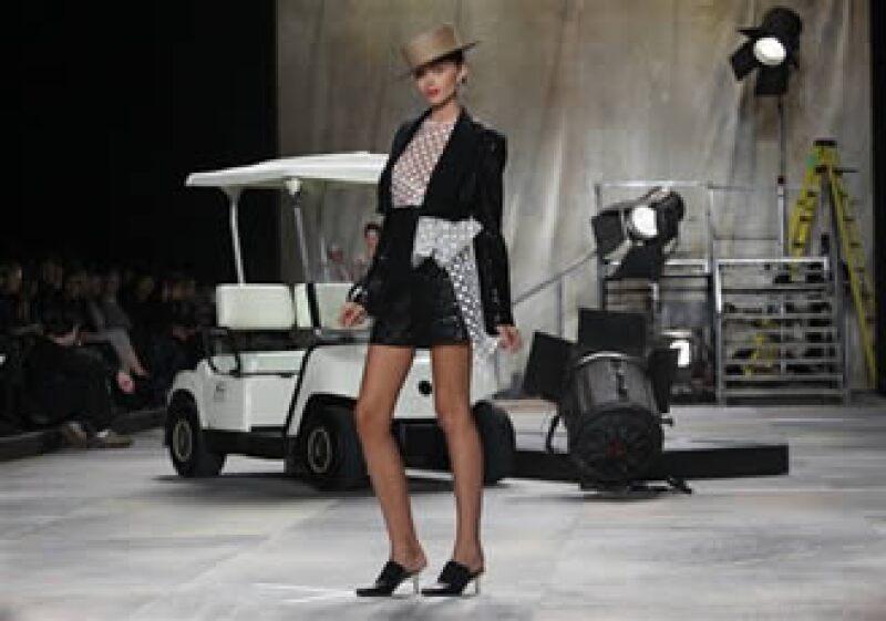 Para un joven diseñador participar en la Semana de la Moda de Nueva York no es una garantía de que conseguirá empleo. (Foto: AP)