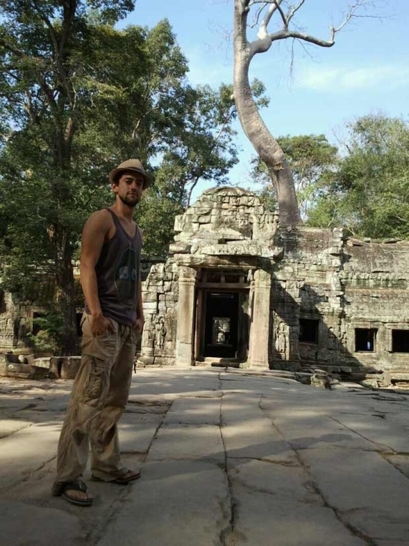 Desde muy joven, Luis Gerardo Méndez ha tenido el interés de viajar por el mundo. Esta foto fue tomada en Tailandia