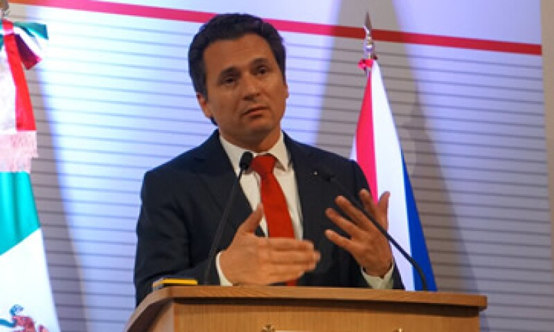 Emilio Lozoya fue parte de la comitiva que acompañó al presidente Peña a Londres. (Foto: Notimex )