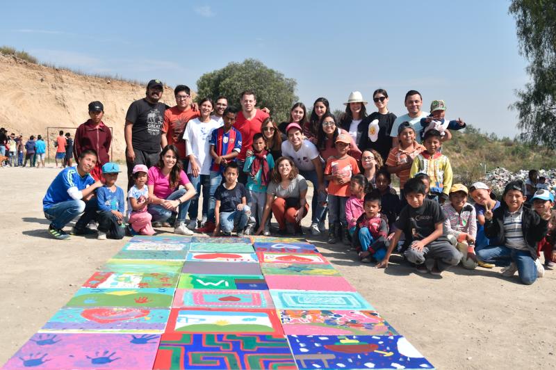 Benetton junto con las fundaciones y la comunidad de Escalerillas