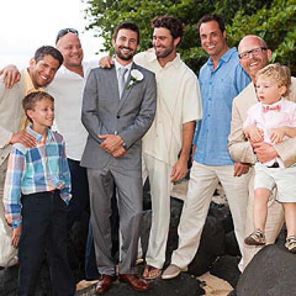 El día de la boda, tanto Burton como Brody aprovecharon para posar junto a su hermano Brandon.