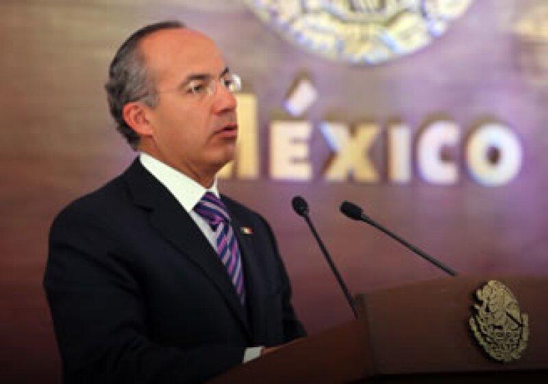 Calderón envió una iniciativa al Poder Legislativo que pretende combatir los monopolios. (Foto: Cortesía Presidencia de la República)