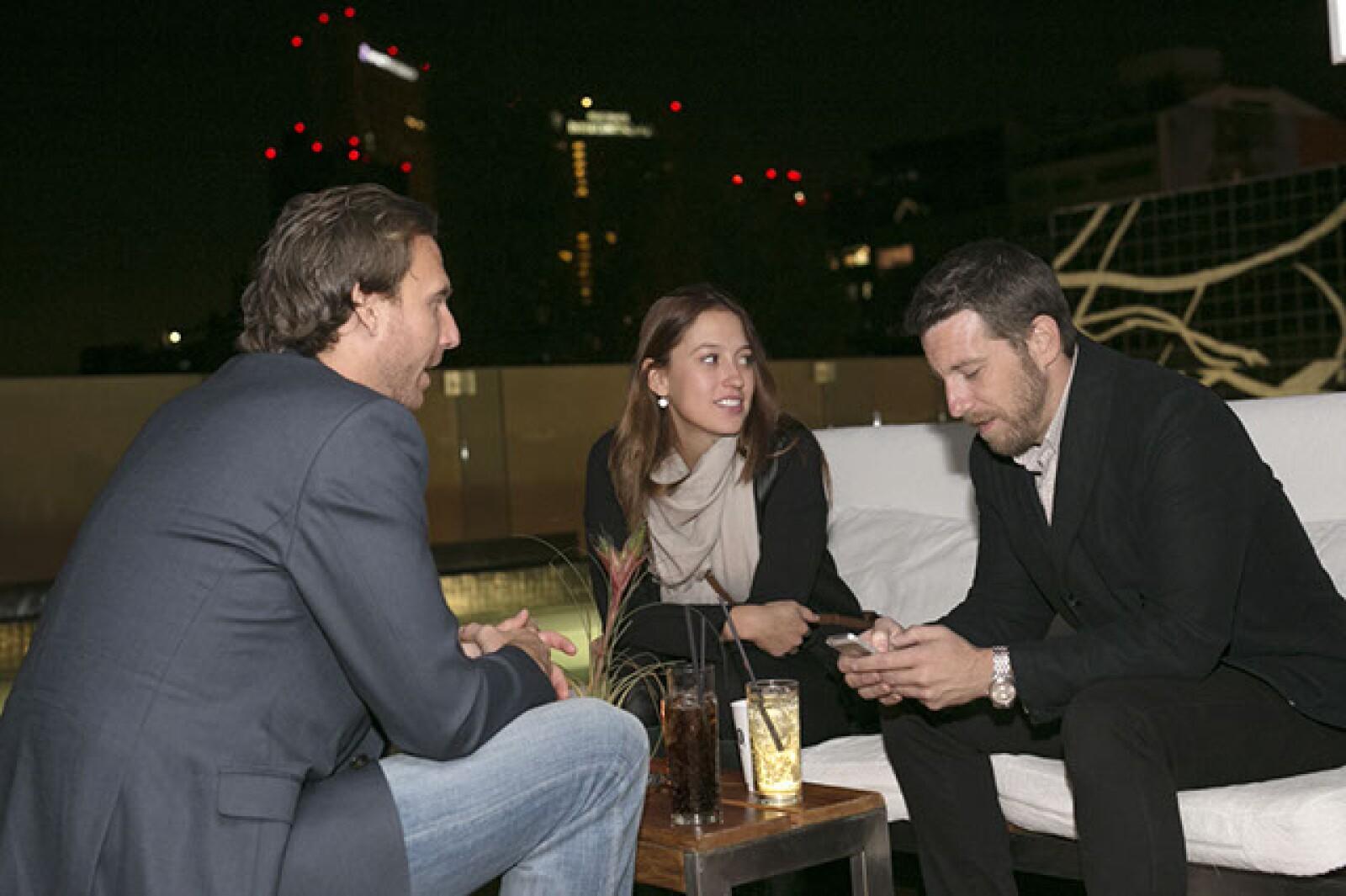 Justin Petsche,Gabriela Barrera y Joseph Henrits
