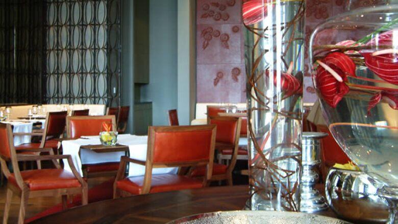 El restaurante Diana es exclusivo de la firma St. Regis. Ofrece cocina de autor bajo el mando del Chef Ejecutivo Jeff Pelaez.